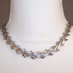 Vintage silver tone Trifari necklace